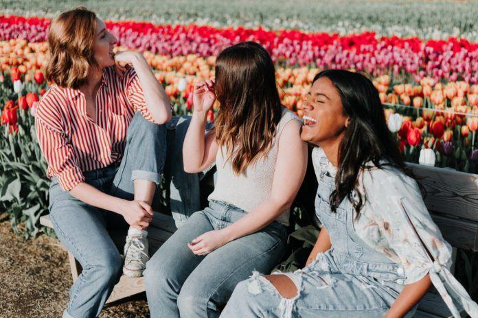 ganar mas dinero cambiar de amigas barcelonette club social empresarial mujeres empoderamiento
